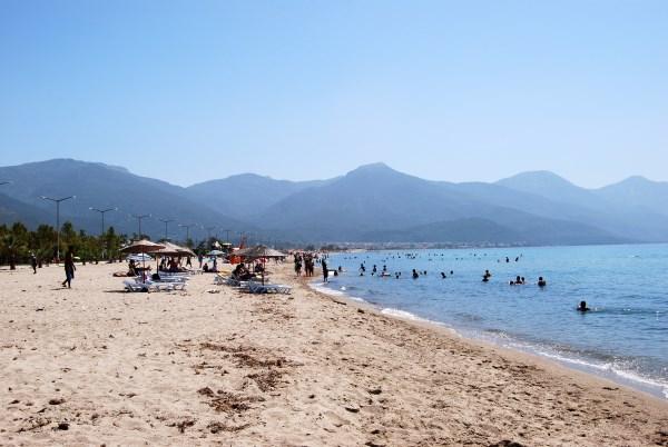 Kuşadası Sevgi Plajı