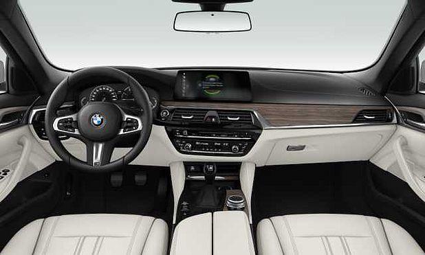 BMW 520i Sedan İç Mekan Görselleri