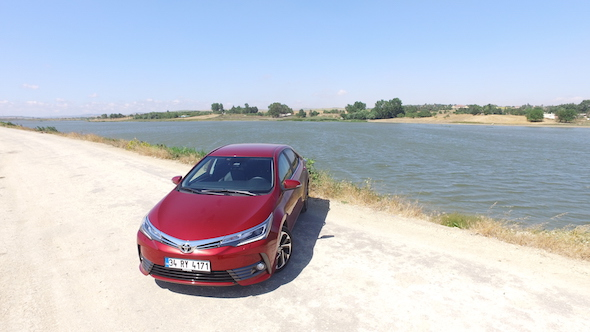 Yeni Toyota Corolla sedan