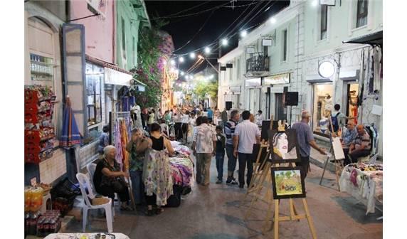 İzmir Urla Sanat Sokağı Pazarı